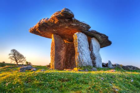 burren: 5000 years old Polnabrone Dolmen in Burren, Co. Clare, Ireland