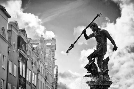 neptuno: Fountain of the Neptune in old town of Gdansk, Poland Foto de archivo