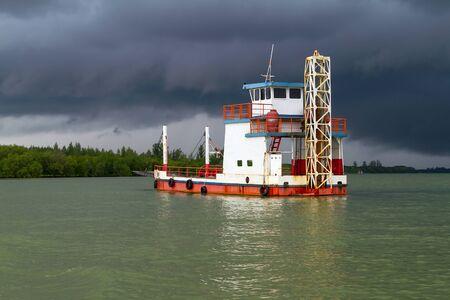 koh kho khao: Ferry on the river before the storm in Koh Kho Khao, Thailand