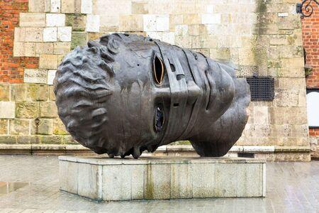 eros: Bronze statue of Eros Bendato by Igor Mitoraj on the main square of Krakow