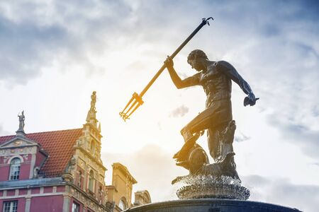 neptuno: Famosa fuente de Neptuno, símbolo de Gdansk, Polonia