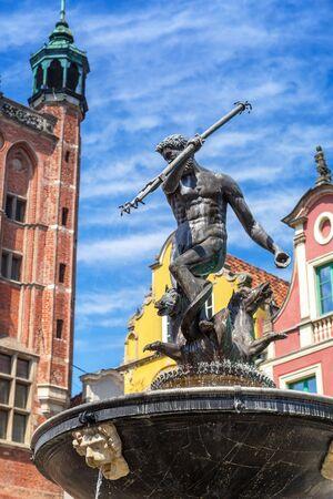 neptuno: Fuente de Neptuno en el casco antiguo de Gdansk