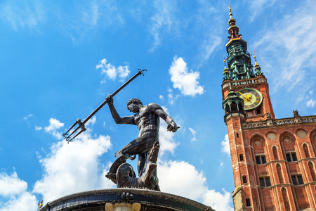 neptuno: Fountain of the Neptune in old town of Gdansk