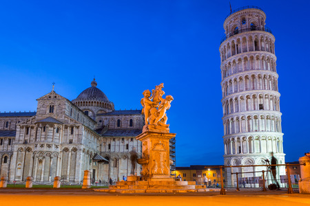 piazza dei miracoli: Piazza dei Miracoli with Leaning Tower of Pisa, Italy Stock Photo