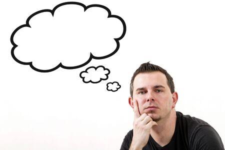 Hombre con las burbujas de pensamiento