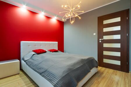 modern bedroom: Modern bedroom interior