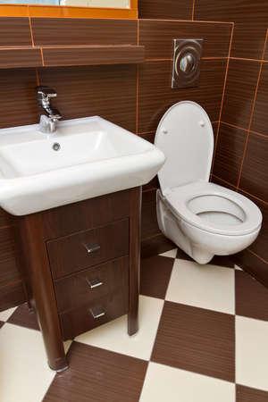 bathroom interior: Modern bathroom interior