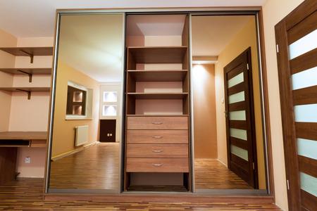 Modern appartement inter met garderobe
