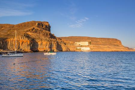 Küste der Insel Gran Canaria bei Sonnenuntergang, Spanien Standard-Bild - 61868706