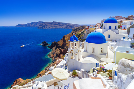 아름 다운 Oia 마을의 산토리니 섬, 그리스