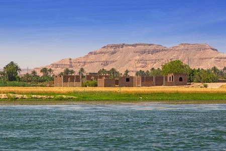 Nile river scenery near Luxor, Egypt Banco de Imagens - 94214554