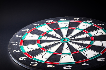 bull     s eye: Dart board