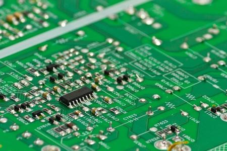 circuitos electricos: Cerrar una placa de circuito verde