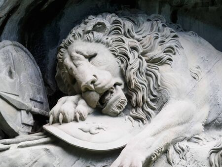 xvi: Lewendenkmal, the lion monument landmark in Lucerne, Switzerland. It was carved on the cliff to honor the Swiss Guards of Louis XVI of France.