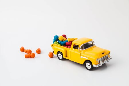Overload in pick-up toy photo