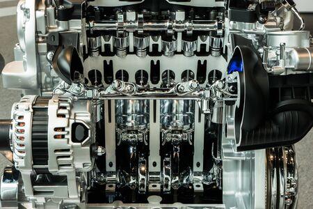 Vue de coupe du moteur et de la transmission de l'automobile