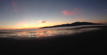 wellington: Sunset at the beach here in wellington new zealand