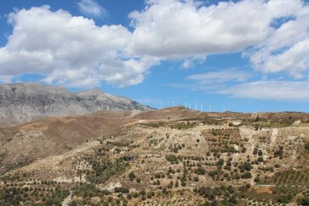 Farma wiatrowa w górach na Krecie Zdjęcie Seryjne