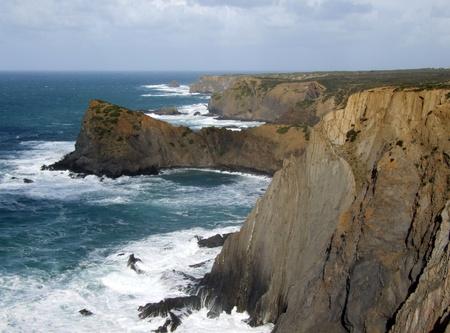 Solidna linia brzegowa Arrifana, Portugalia