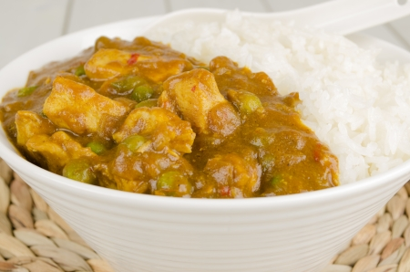 Chinese Chicken Curry with green peas and onions served with steamed rice Stock Photo - 15532137
