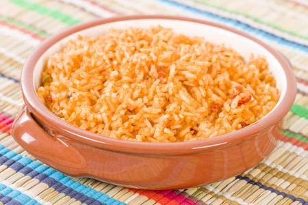 arroz: Arroz Mexicano - Arroz cocido con salsa de tomate y el caldo de pollo.