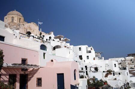 cycladic: Tenuto conto della tradizionale delle Cicladi (greca) di architettura cliffside la citt� di Oia, a Santorini.