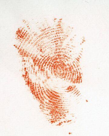 desired: La impresi�n de un dedo ensangrentado en un pedazo de tejido blanco - quiz�s una pista del lugar del crimen? Imprimir es aut�nticamente imperfecto. La textura del tejido es visible (pero podr�a f�cilmente ser soplado a cabo si se desea)