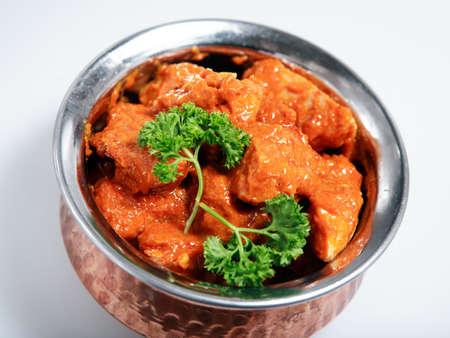 chicken curry: Eine Sch�ssel von rotem Thai-Curry-Huhn