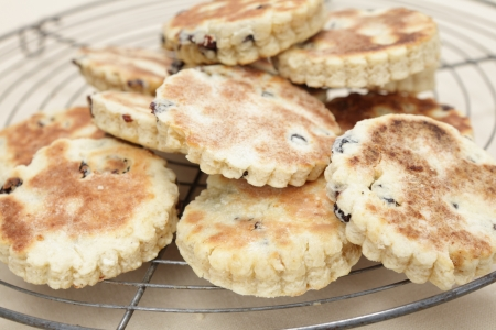 welsh: Fresh baked Welsh Cakes, a traditional regional British delicacy Stock Photo