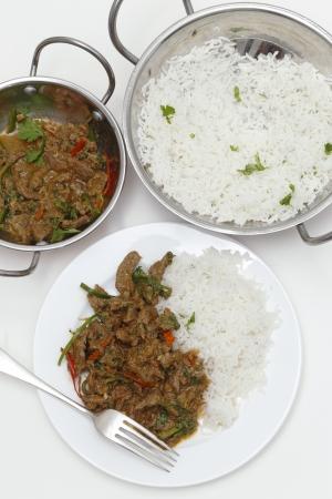 Un Tazón De Kadai Casera Cordero Al Curry Con Especias Con Hojas De ...