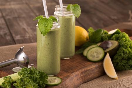 green smoothie Standard-Bild