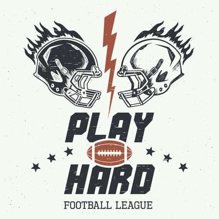 pelota rugby: Juega duro. El fútbol o el rugby ilustración motivación americano con yelmos de estilo vintage