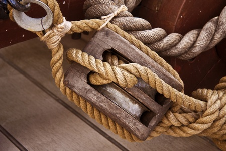 rigging: Rope and pulley on an old sail boat