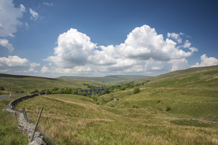 dales: Dent Head viaduct set in the rural West Riding of Yorkshire Stock Photo