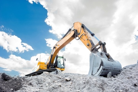 heavy duty: Medium sized excavator