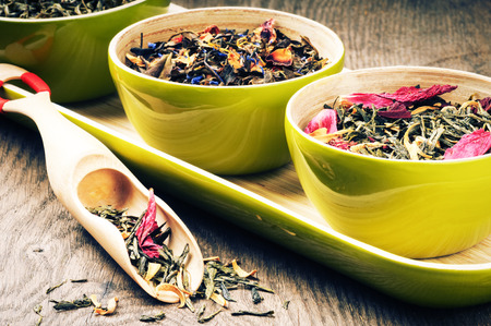 gunpowder tea: Selection of flower green tea