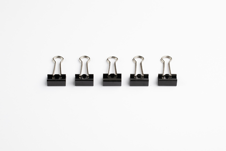 Row of Five Bulldog Clips Archivio Fotografico - 120506273