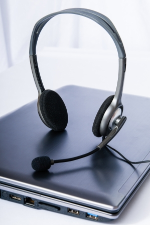 ear phones: Laptop computer with headset
