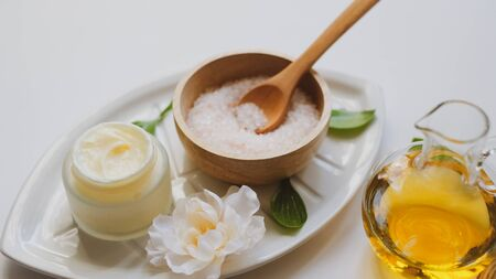 spa and skin care product with luxury natural ingredient . Himalaya pink salt and natural massage essential oil. 版權商用圖片