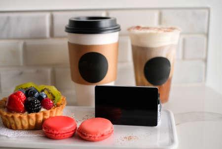 black card template for coffee cafe with macaron and fruit tart. Zdjęcie Seryjne