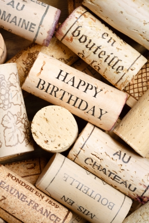 french text: Greeting card made from wine corks with text Happy Birthday