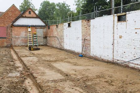 Demolition, rebuild and conversion of an outbuilding for extension of a period Victorian house in UK Zdjęcie Seryjne