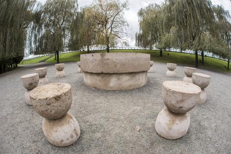 constantin: Constantin Brancusis Table of Silence – fisheye view