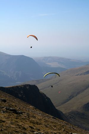 snowdonia: Paragliders above the mountains in Snowdonia, Wales
