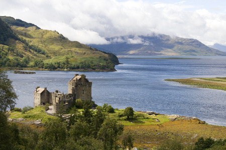 scotland landscape: Eilean Donan castle in north east Scotland