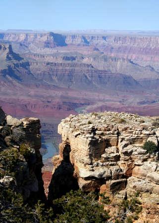 slit: El r�o Colorado a trav�s de una hendidura en la roca en el Extremo Sur del Gran Ca��n, Arizona  Foto de archivo