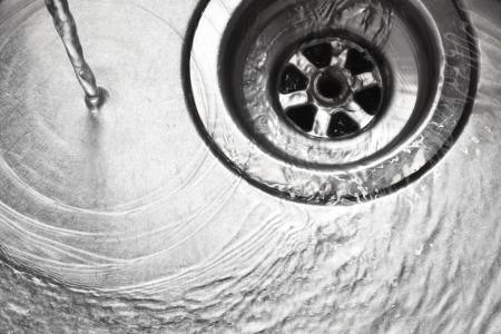 desague: Fregadero de acero inoxidable agujero del tap�n de cierre con agua