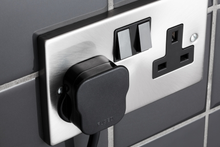 Dubbel stopcontact in de hedendaagse keuken