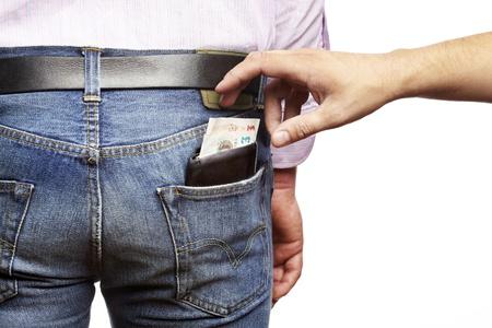 De mens wordt pickpocketed voor zijn portemonnee