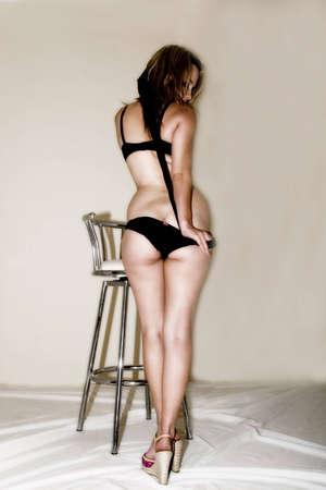 mujeres eroticas: mujeres sexy mostrando trasero Foto de archivo